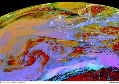 Read more about the article Eumetsat: Aktuelles Satellitenbild der Aschewolke vom Vulkanausbruch auf Island. Noch 350km bis nach Deutschland!
