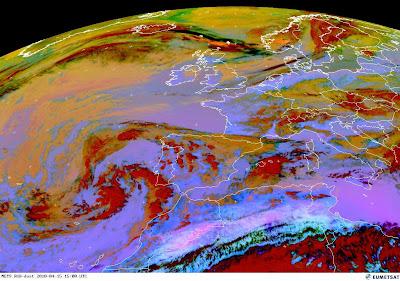 Read more about the article Eumetsat: Aktuelles Satellitenbild der Aschewolke vom Vulkanausbruch auf Island. Noch 320km bis nach Deutschland!