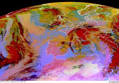 Read more about the article Aktuelle Satellitenbilder zeigen: Die neue Aschewolke über Großbritannien zieht nicht nach Europa!