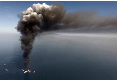 Read more about the article Einzigartige und spektakuläre Bilder von der Ölkatastrophe und Ölplattform im Golf von Mexiko