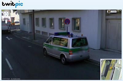 Read more about the article Google Streetview zeigt Polizeiauto im absoluten Halteverbot oder auch nicht …