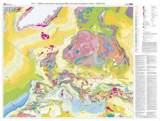 """Read more about the article BGR zeigt riesige geologische Europakarte IGME 5000) """"The International Geological Map of Europe and Adjacent Areas"""" im Internet"""
