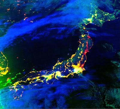 Read more about the article Satellitenbild der NASA zeigt Japan bei Nacht und wie es sich zu 2010 dabei verändert hat