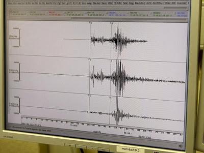 Read more about the article Seismographen vom schlimmen Erdbeben mit 8.9 vor der Ostküste in Japan