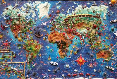Read more about the article Sarah Drake erstellt einzigartige Weltkartenkunstwerke in 3D