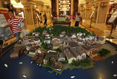Read more about the article Kein Landkartenfehler! Das gleiche Hallstadt gibt es jetzt zweimal auf der Welt.